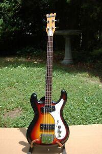 Univox Hi Flier Bass Guitar Vintage - High Flyer -