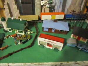 PLASTICVILLE O SCALE BUILDINGS LOT   3