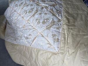 Dorma Quilted Throw King Size Champagne and pillowcases ex condition
