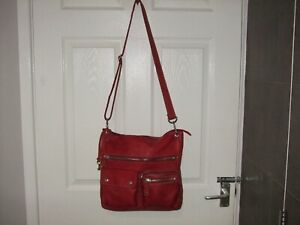 BEAUTIFUL LARGE  FOSSIL EXPLORER RED  SOFT  LEATHER HOBO CROSSBODY   BAG