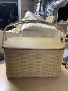 Longaberger Picnic Basket 2011 with plastic liner And Paprika Cloth Liner