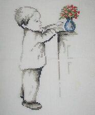 """QUADRO RICAMATO A MANO """"Bimbo con fiori""""  PUNTO CROCE-CROSS STITCH"""