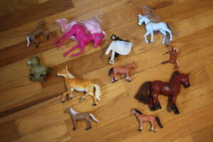 VTG Toy Horse Lot (10) Assorted Mini Plastic PVC Stallion Plastic