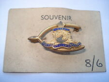 C1930S VINTAGE ROYAL ARTILLERY WISHBONE SHAPE SWEETHEARTS PIN BROOCH ON ITS CARD