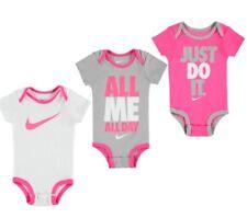 Nike Baby Mädchen Set 3 Bodysuits 0-6 Monate Rosa Weiß Grau Neu mit Karton