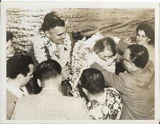 original international news photo of clark gable in honolulu on honeymoon 1949 2