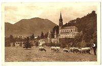 CPA 65  Hautes-Pyrénées Lourdes La Basilique Vue de la Prairie de la Grotte