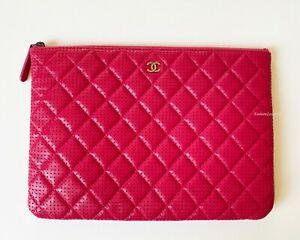 NEW CHANEL ROSE PINK QUILTED LEATHER SILVER CC CLUTCH BAG PURSE O CASE POUCH