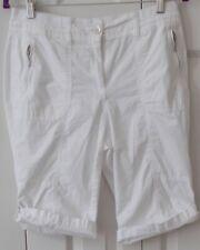 Womens Shorts CHICOS  Size 0 White Elastic Waist Zippered Pockets
