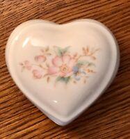Sweet, Tiny White Ceramic Porcelain Heart Floral Trinket Box