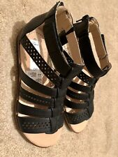 Brand New Clarks Cushion Soft Gladiator Sandals Size 4