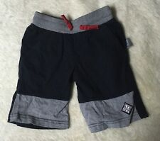 Sigikid  Shorts grau/ black red used look 100% Baumwolle 110/ 4-5 NP 19€
