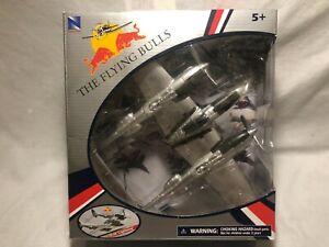 NEW RAY THE FLYING BULLS P-38 LIGHTNING 1:48 #21253