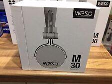 Wesc Auriculares Sobre las Orejas con Cable M-30 Conectores Chapados en Oro-Blanco