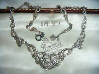 VINTAGE 1950s ARROW MARKS MARCASITE PANEL RHODIUM PLATED NECKLACE BY SPHINX
