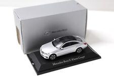 1:43 Kyosho Mercedes Classe E Coupé Silver Dealer New chez Premium-modelcars