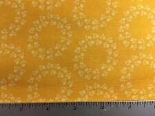 Doodle Pop Animal Tracks Robert Kaufman  AHE-15931 5 Yellow - Cotton Fabric