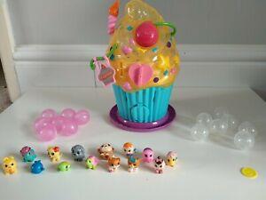 Squinkies Cupcake And 14 Squinkies