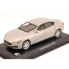 MASERATI QUATTROPORTE GTS 2013 METALLIC LIGHT GREY 1:43 Whitebox Auto Stradali