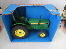 Ertl 1/16 Farm Country John Deere Compact Utility Tractor #581 w/24 Page Catalog