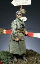 ALPINE MINIATURES 35054, WW2 German Officer #1, SCALE 1:35