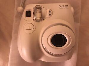 FujiFilm Instax Mini 7S Instant Camera White
