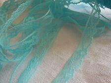 10 métres jolie dentelle  vintage nylon bleu