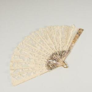 ANTIQUE LACE & MOTHER OF PEARL HAND FAN