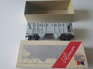 WEAVER O SCALE 2 RAIL 36' COVERED 2-BAY HOPPER CAR  LV #50769
