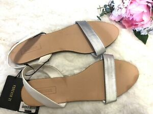 Forever 21 White Silver Casual Sandals Open Shoes Womens Size 9 New With Tag