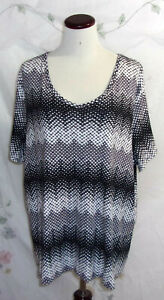 Croft & Barrow Classic Tee Womens Size 3X Black White Zig Zag Short Sleeve Top