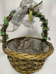 Wicker Gift Basket - Ideal for birthdays and christmas hampers