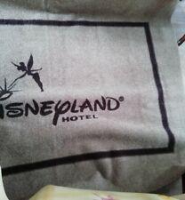 Rare énorme tapis du disneyland hôtel