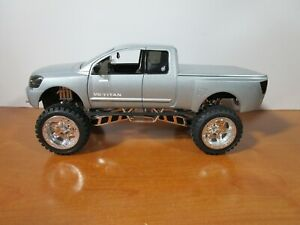 HOT WHEELS 1/18 DROPSTARS SILVER NISSAN TITAN *VHTF* VERY NICE *READ* NO BOX