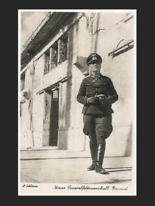 AK, General Rommel mit Fotoapparat, Portrait, WK2