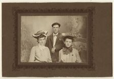 PORTRAIT OF A MAN AND TWO WOMEN MUGGING FOR THE CAMERA (VINTAGE PHOTOGRAPH)