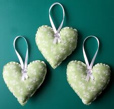Set de 3 l vert/blanc fait main Shabby Chic Suspendu Tissu Coeurs 4.5ins