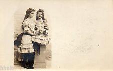 BK988 Carte Photo vintage card RPPC Enfant fillette jeune fille habit identique