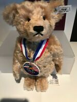 STEIFF CLUB BEAR - 420801 - SAM TEDDY BEAR 28 USA 1993 PREMIER EDITION