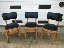 3 chaises en bois et skaï vintage du 20ème siècle à réviser