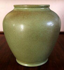 HYALYN POTTERY MATTE JADE CELADON GREEN VASE MID CENTURY MODERN PORCELAIN #733