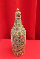 Porcelaine  Chine Shunga Curiosa Erotique signé à décor de fleurs et branchages.