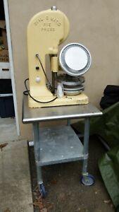 Kaiser Aluminum Dial-O-Matic Pie Press, Model D-301
