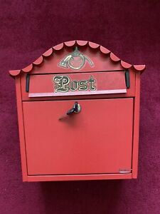 Gardeco Classic Red Post Box