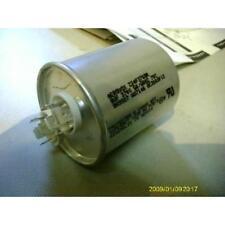 AEROVOX 8 MFD X 370 VOLT ROUND AC RUN CAPACITOR 15441