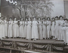 Photographie ancienne Spectacle école de fille costume faucilles danse vers 1930