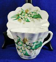Vintage English Bone China White Floral Scalloped Tea Cup & Saucer Set CROWN