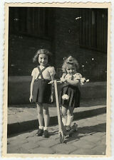 PHOTO ANCIENNE - ENFANT JOUET - TROTTINETTE - CHILD TOY BIKE - Vintage Snapshot