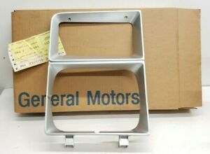 NOS Chevrolet Blazer GMC Jimmy Full Size Pick Up Head Light Bezel 1983 84 Right