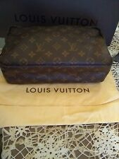 Authentic Louis Vuitton Monogram Trousee Toilette 28 Cosmetic Clutch Bag M47522